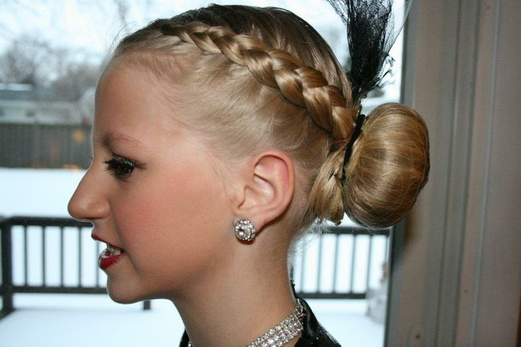 Pleasing 22 Epic Dance Hairstyles To Make You Feel Confident Hairstyle Inspiration Daily Dogsangcom