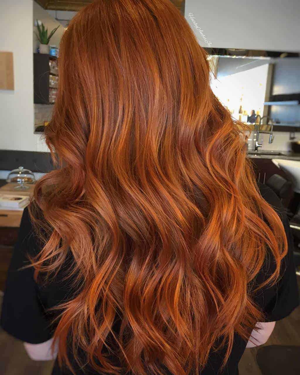 5 Long Auburn Hair Styles To Embrace An Autumnal Aesthetic