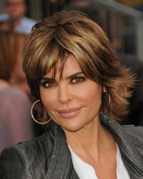 7: Lisa Rinna's Short and Shaggy Style