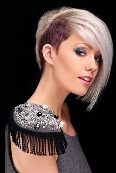 Dual color blonde girl hair