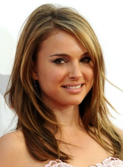 23 Best Shoulder Length Hairstyles for Women in 2021 - The Trend Spoter | 680x500
