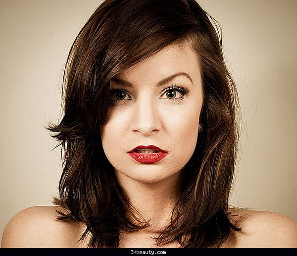 50 Medium Shoulder Length Haircuts for Women 13
