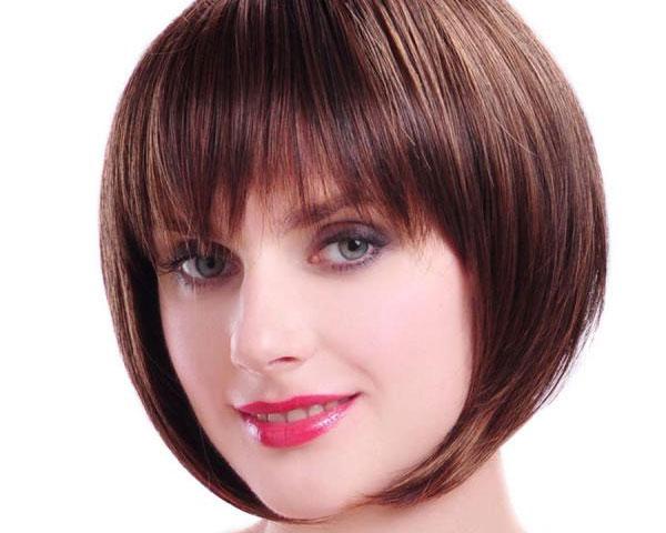 Bob Haircuts With Bangs for Women 18-min