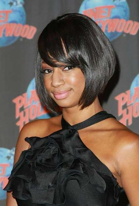 Feathered Bangs Hairstyles for Women 11