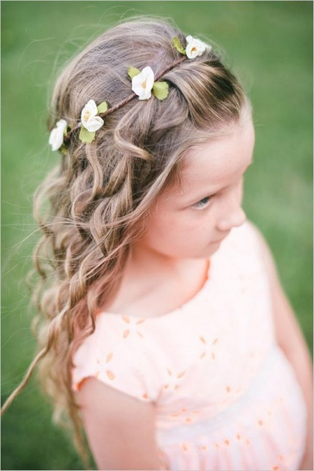 50 Cutest Flower Girl Hairstyles For Little Girls Hairstylecamp