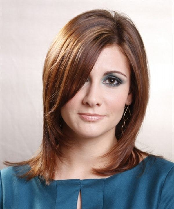Medium Shoulder Length Haircuts for Women 37-min