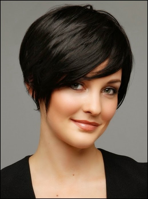 Short Haircuts for Women With Round Faces 10-min