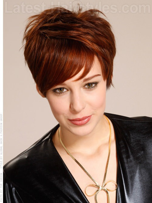 Short Haircuts for Women With Round Faces 25