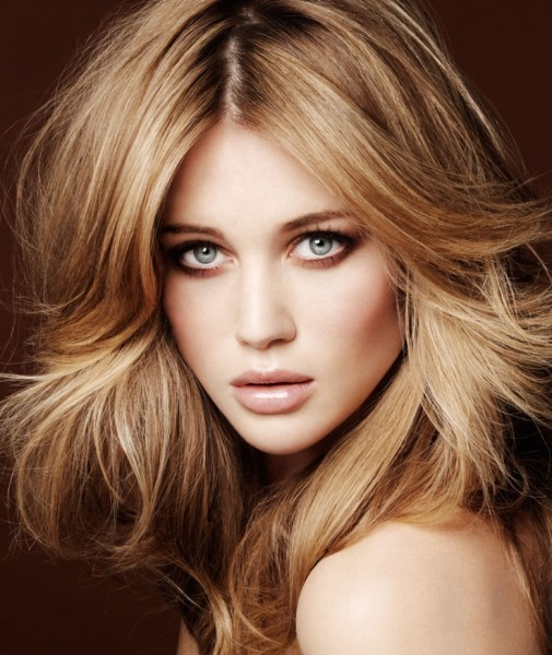 Short Haircuts for Women With Round Faces 28