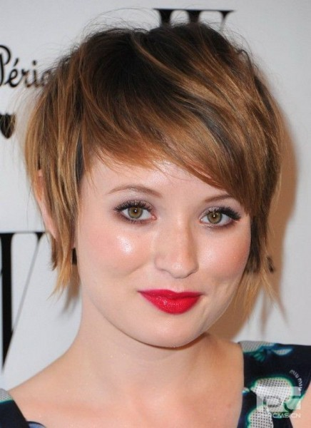Short Haircuts for Women With Round Faces 8-min