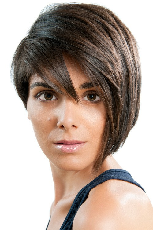 short-asymmetric-haircut-for-teenage-girls