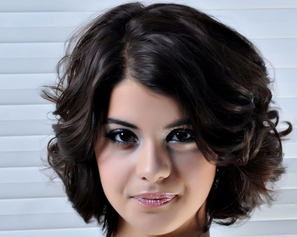 50 Smartest Short Hairstyles For Women With Thick Hair