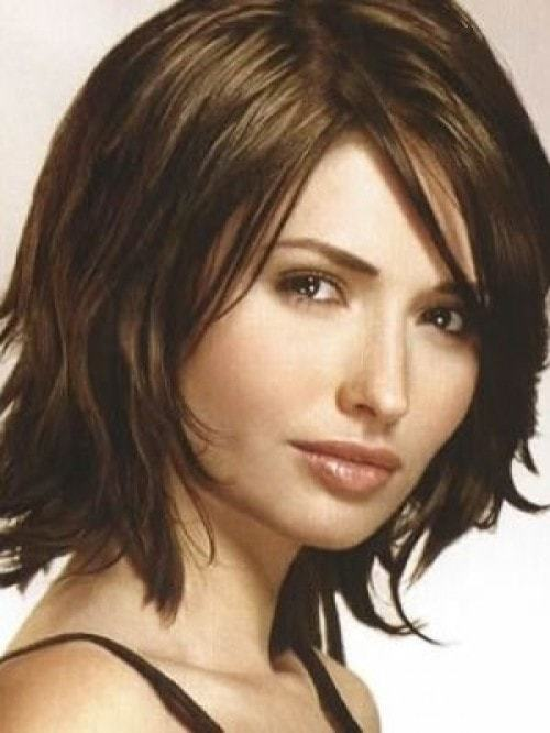 short haircuts for thick hair of women 8-min