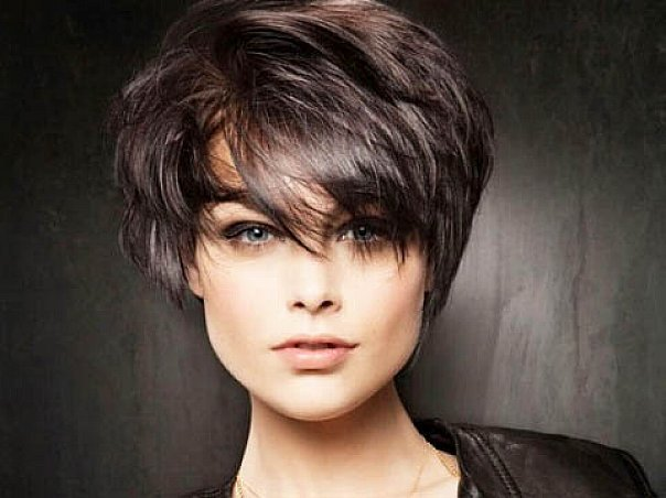 Hairstyles For Thick Hair: 60 Unbeatable Short Hairstyles For Long Faces [2019]