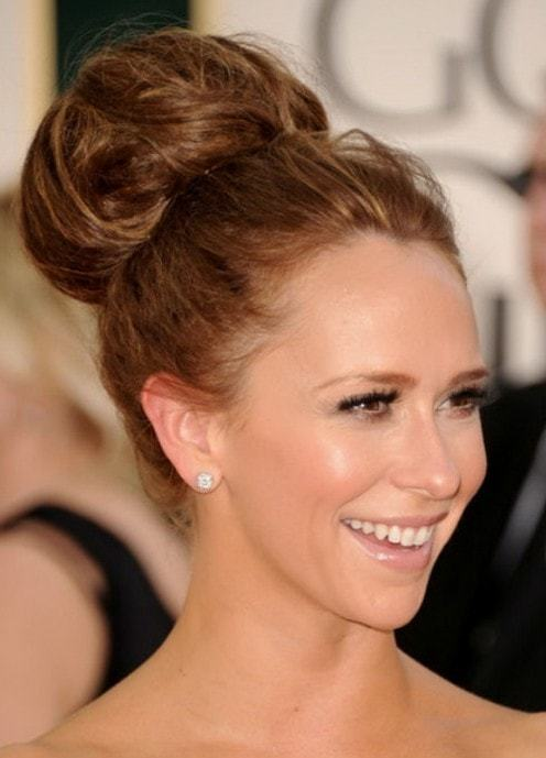Chignon Hairstyles for Women 4-min