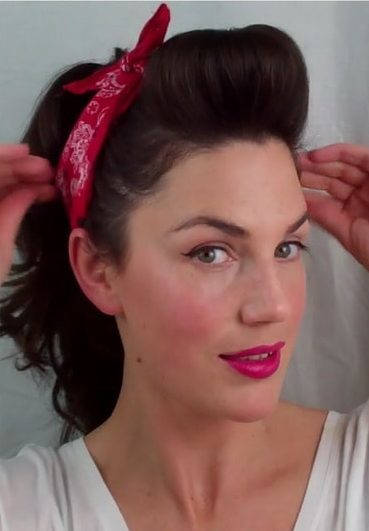 Easy Vintage Pin Up Hairstyles for Women 1-min