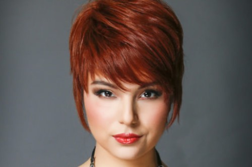 25 Youthful Short Hairstyles For Women Over 40 [2019 Updated]