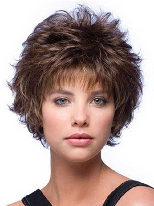 short Textured layered hairstyle for women