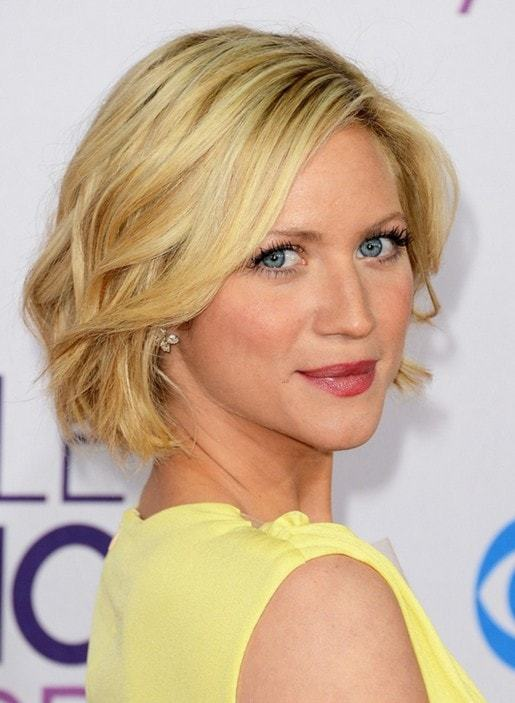 20 No Hassle Short Layered Hairstyles For Glamorous Girls
