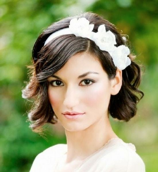 Short wedding hairstyle for women