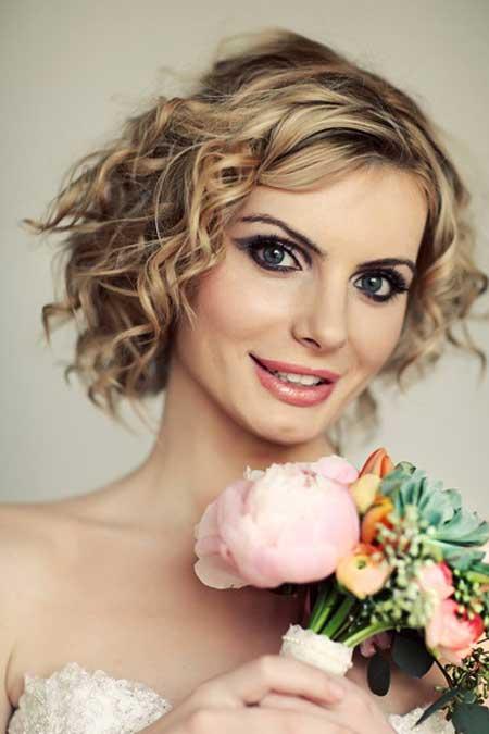Short wedding hairstyles 10-min