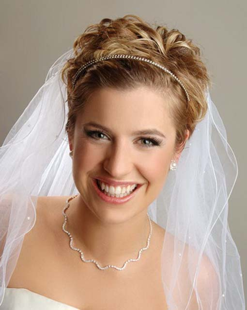 women wedding curly pixie for short hair