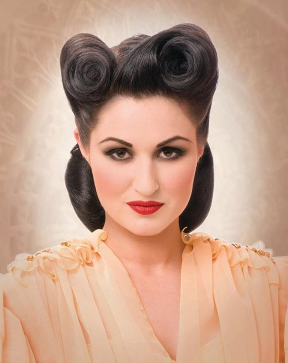victory roll hair style 25 vintage victory rolls from 1940 s any can copy 6390