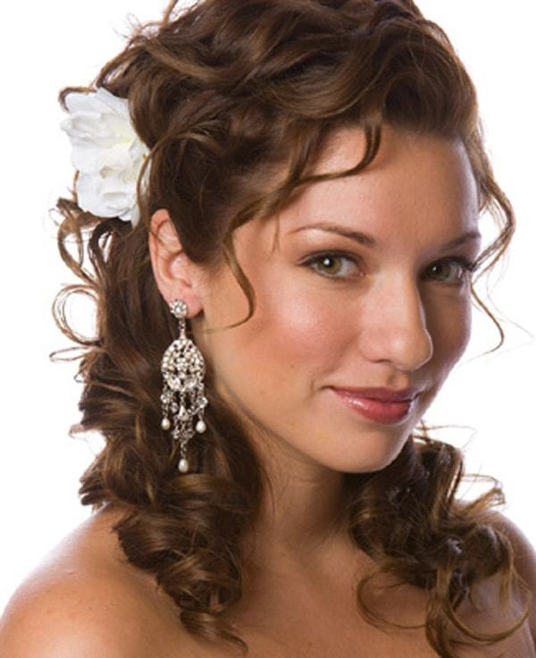 Hairstyle For Wedding Party Guest: 15 Mesmeric Wedding Guest Hairstyles For Women