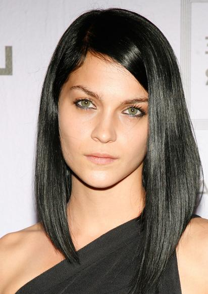 asymmetrical-cut-medium-length-hairstyle-vip-hairstyles