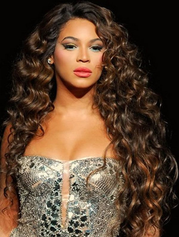 Wavy Curly Weave Hairstyle For Young Women