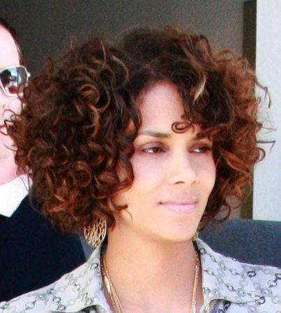 curly weave hairstyles for women 6-min