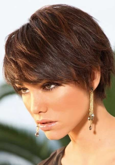 Short Hairstyles For Women With Thick Hair 1 Min