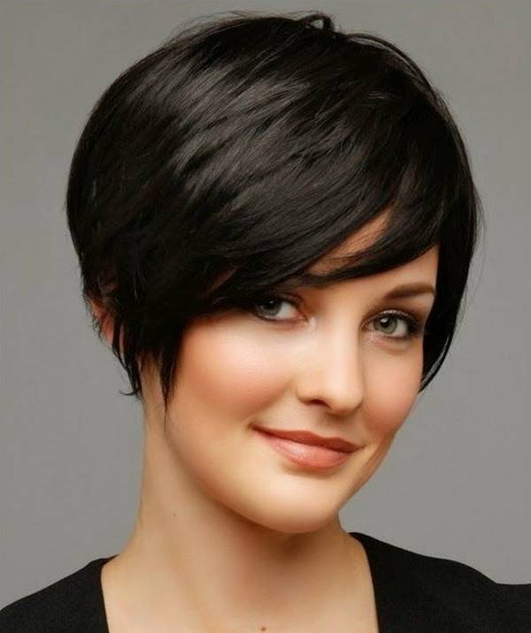 short hairstyles for women with thick hair 3-min