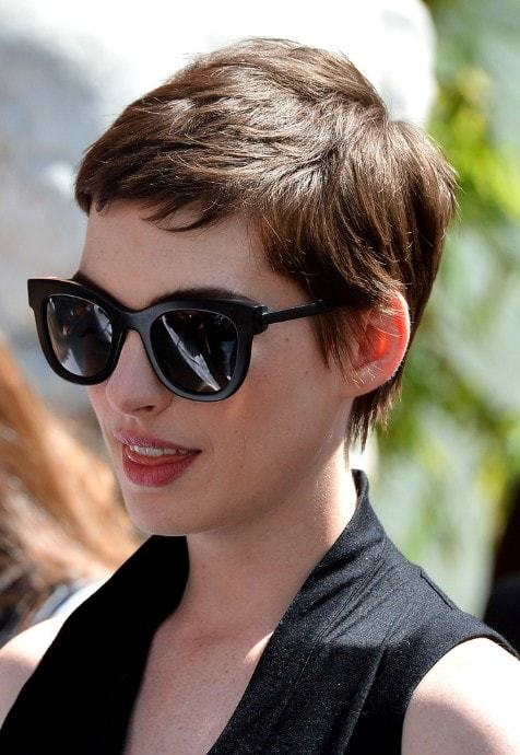short pixie hairstyles for women 10-min