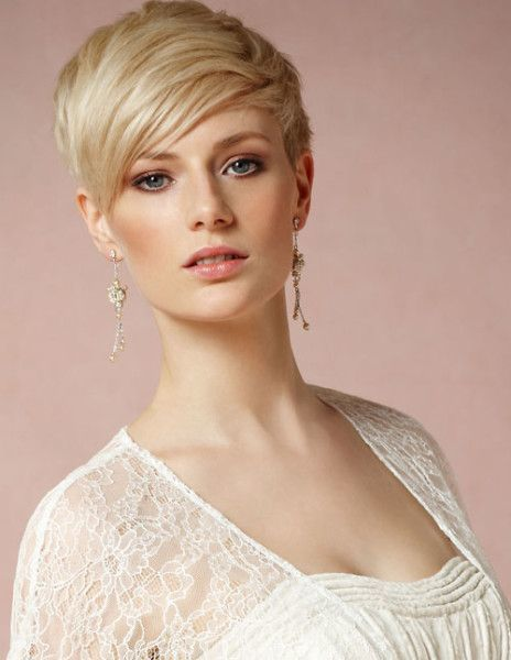 short pixie hairstyles for women 12-min