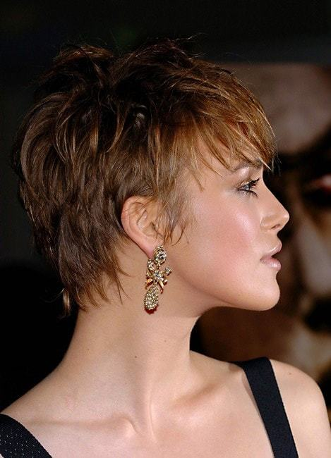 short pixie hairstyles for women 5-min