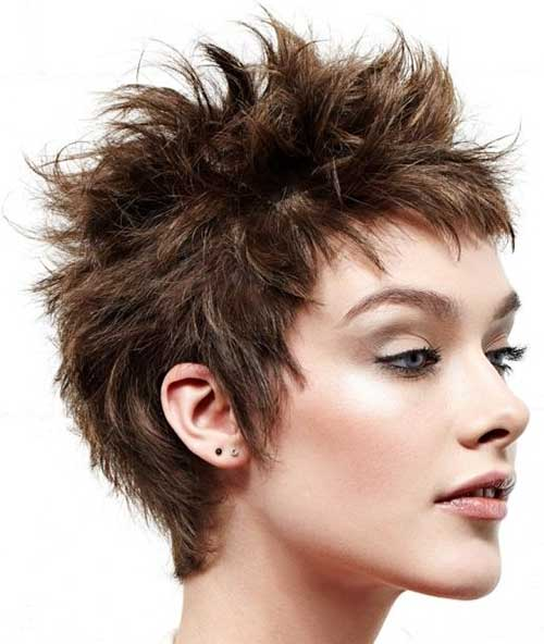 short spiky hairstyles for women 8-min