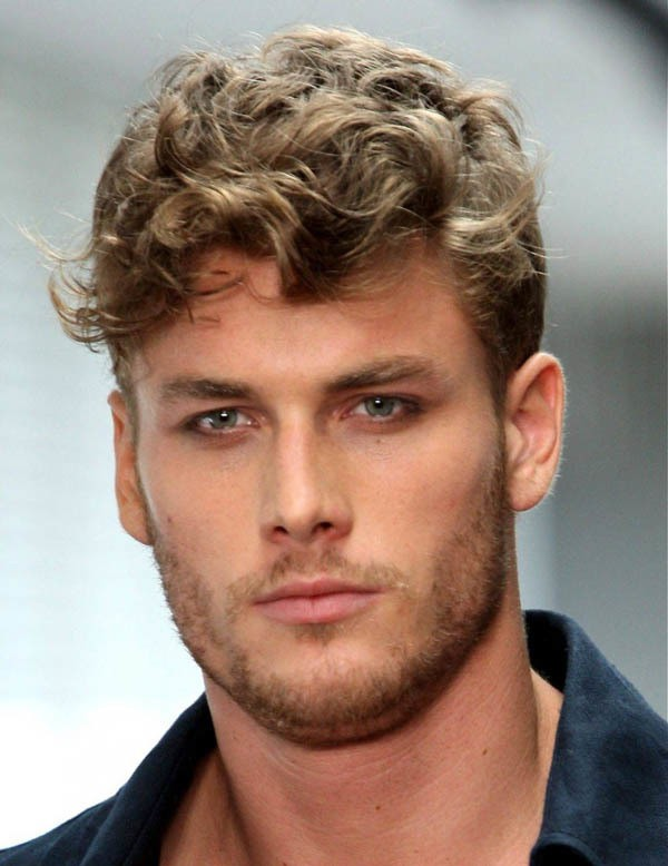 41 Distinctive Hairstyles For Men With Round Faces