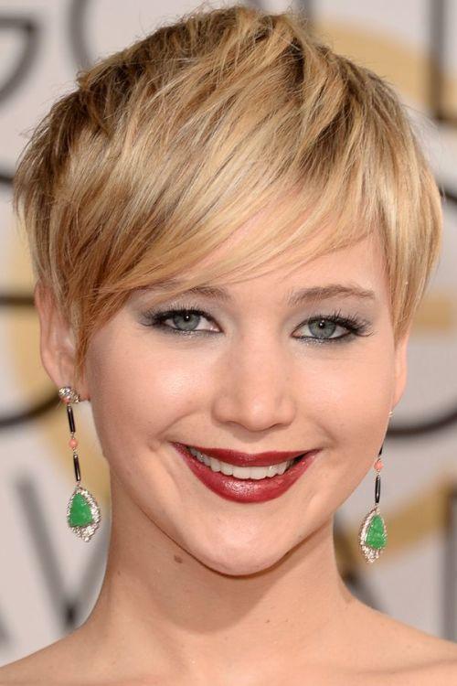 women blonde Lowlights for short hair