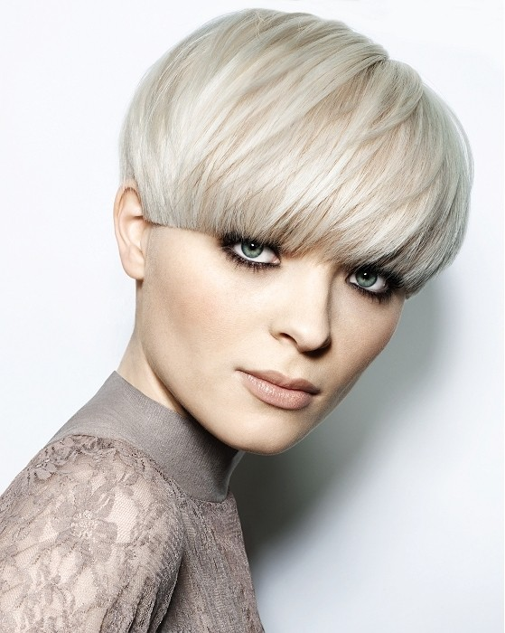 25 epic bowl mushroom hairstyles creative ideas the classics hairstyle for women urmus Gallery