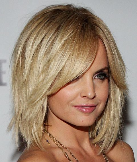 If Your Tresses Are Missing Some Thickness A Layered Bob Is Great Way Out This Above The Shoulder Haircut For Women Take All Best Of And