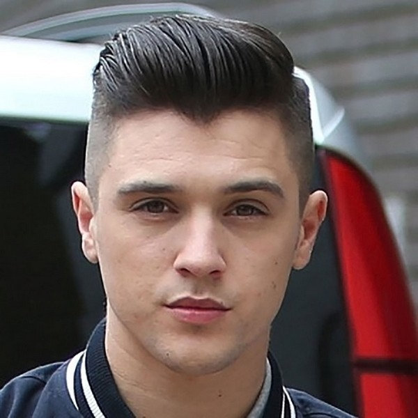 Straight and Thick Comb Pompadour hairstyle for men