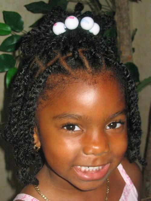 african girl Simple braids hair cut
