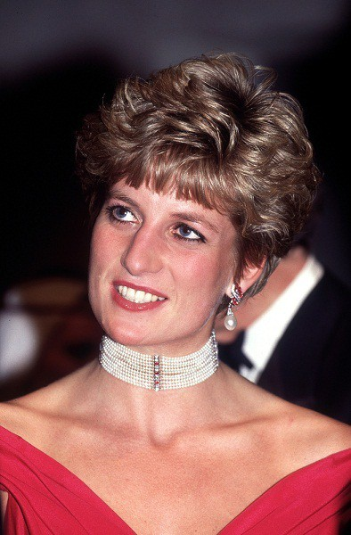 Princess Diana 1990s haircut