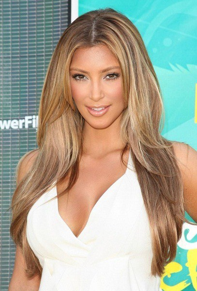Heavy chestnut blonde hair color idea for women