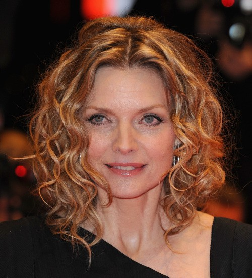 BERLIN - FEBRUARY 10: Actress Michelle Pfeiffer attends the premiere for 'Cheri' as part of the 59th Berlin Film Festival at the Berlinale Palast on February 10, 2009 in Berlin, Germany. (Photo by Pascal Le Segretain/Getty Images)