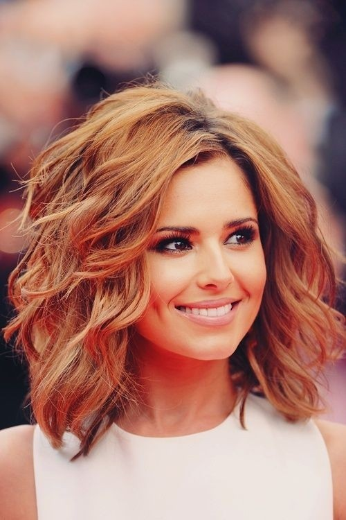 50 Best Shoulder Length Wavy Hairstyles For Women Hairstylecamp