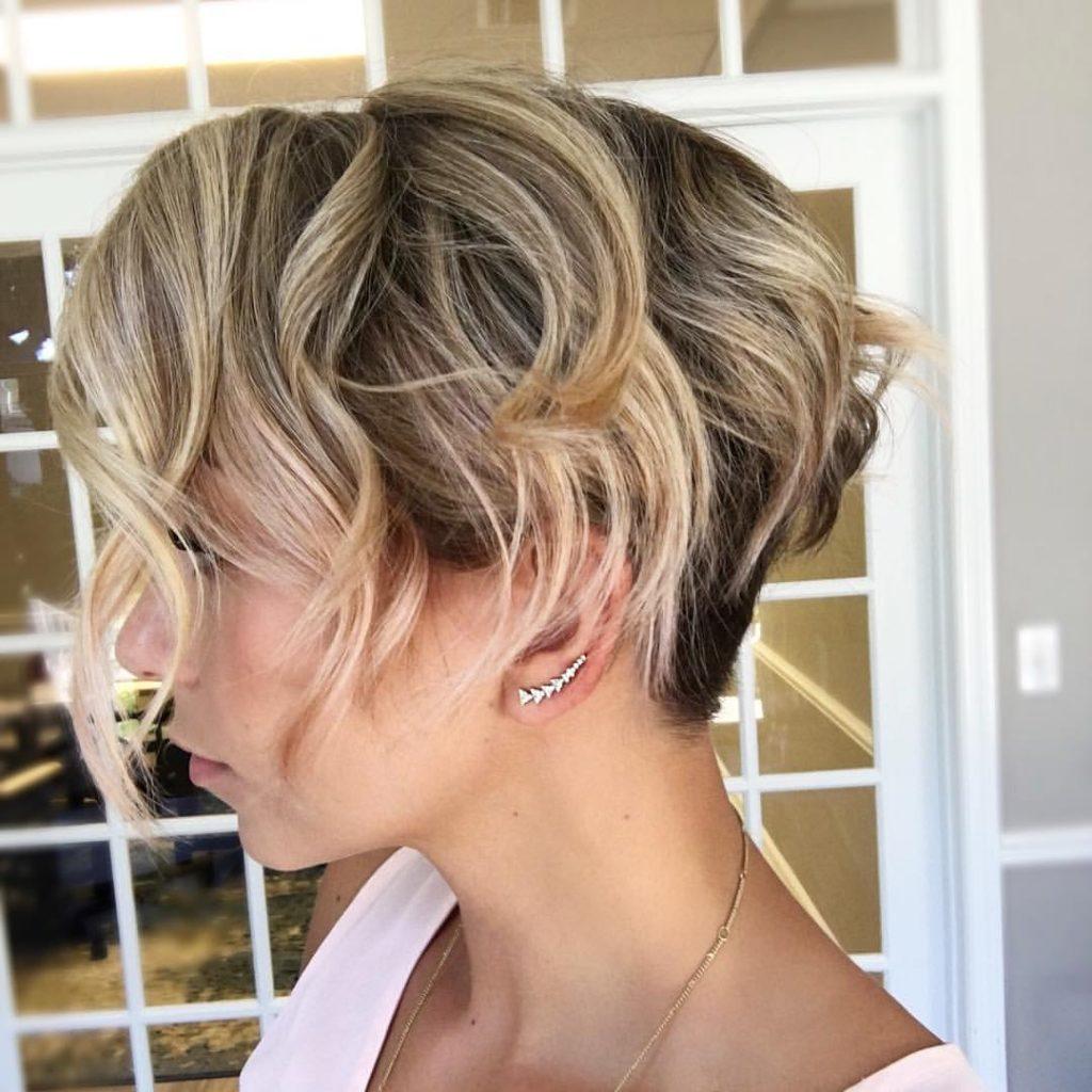 Фото причёсок на каждый день на короткие волосы