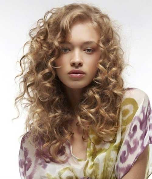23 Glamorous Layered Curly Hair To Shine
