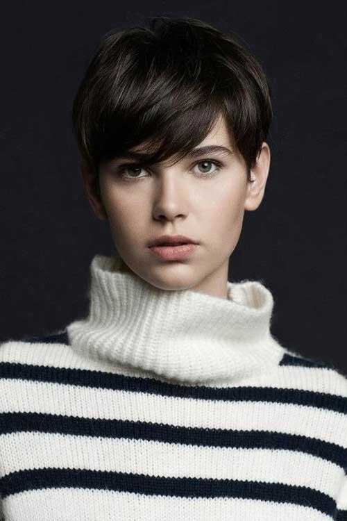 These Short Brunette Hairstyles Are Sassy to the Max